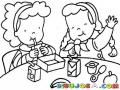 Refaccion Escolar Dibujo De Ninas Refaccionando Juntas Comiendo En Una Mesa Redonda Para Pintar Y Colorear