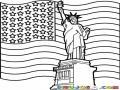 Dibujo De La Estatua De La Libertad Con La Bandera De Los Estados Unidos Para Pintar Y Colorear