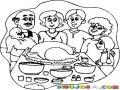 Cena De Accion De Gracias Dibujo De Una Familia Reunida Para Celebrar El Dia De Accion De Gracias Con Un Delicioso Pavo Horneado Para Colorear