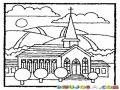 Dibujo De Una Iglesia Catolica En Las Montanas Para Pintar Y Colorear
