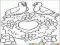 Pajaritos Enamorados Sobre Una Ornamenta De Corazon Para Pintar Y Colorear
